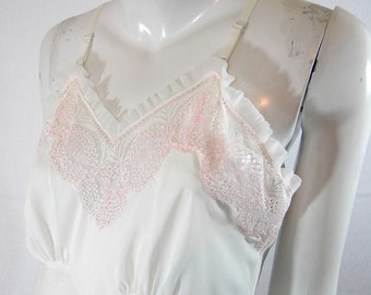 Exquisite 50s Vintage Lacey Rayon Full Slip Size 36