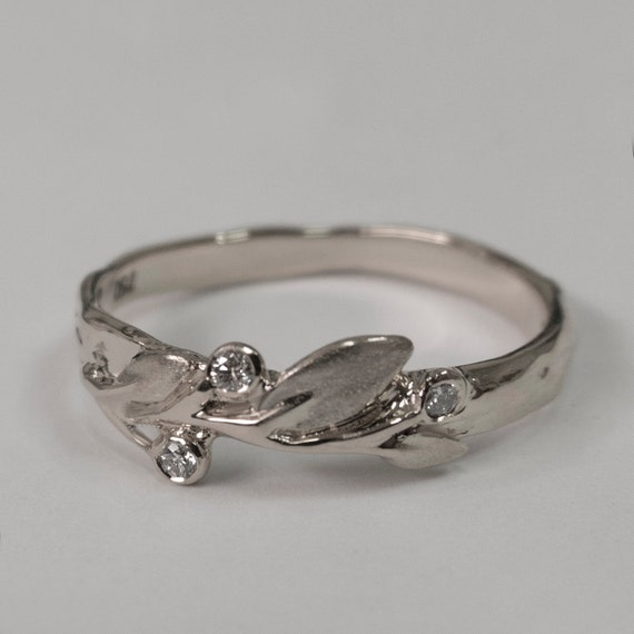 Leaves Diamonds Ring No 9 14K White Gold and Diamonds