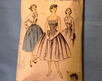 "Vintage Advance 7045 Camisole Top & Full Skirt Sewing Pattern 31"" Bust"