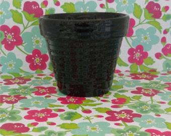 Gloss Black Glazed Ribbed Planter