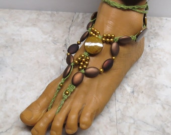 Gold and brown barefoot sandals made with hand-dyed green hemp. Poolside and bellydance fashion. HFT-603