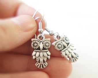Antiqued Silver Owl Dangle Earrings - Owl Earrings - Bridal Jewelry - Bridesmaids Gift Idea - S003
