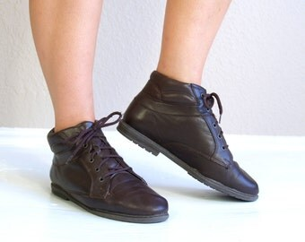 vtg 80s Brown Leather GRUNGE Lace Up ANKLE BOOTS 7 quilted boho flat booties oxfords brogues