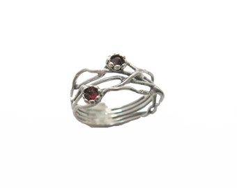 Crystal silver ring. Silver red crystal ring. Sterling silver ring. Organic ring design. Branch ring. Crystal jewelry. (sr-9906-1296-1547)