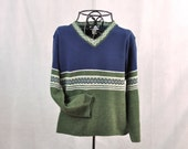 Cropped Sweater Vintage Pullover Folk V Neck Unisex Knit Blue Green Made in USA America Medium Nordic Style
