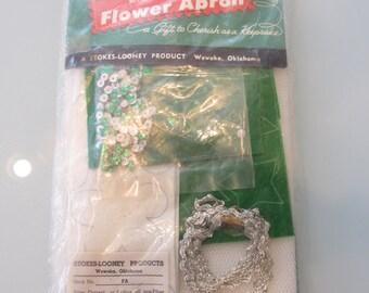 Vintage Christmas Apron Do It Yourself Kit