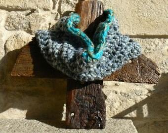 Cowl scarf, Chunky cowl, crochet cowl, circle scarf, neck warmer.