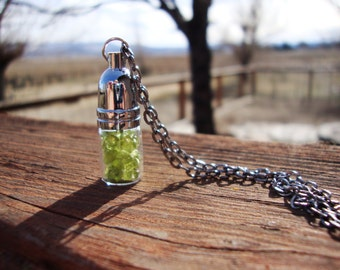 Peridot in a jar necklace august birthday leo virgo