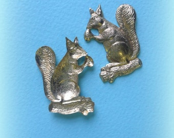 Squirrel with Nut Charm (2 pc)