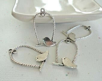 Silver Pewter Rope Swing With Bird 32x18mm Pendant - 4 Pieces (QSB003)