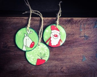 Santa Claus Ornaments or Gift Tags, Christmas Ornaments, Deer Ornaments, Blue Tag, Circle shaped, Stocking fillers, Xmas Decor