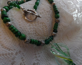 Green Spiral Glass Pendant Necklace