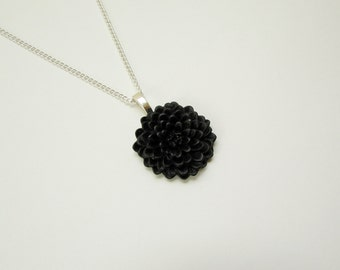 Black Chrysanthemum Flower Necklace