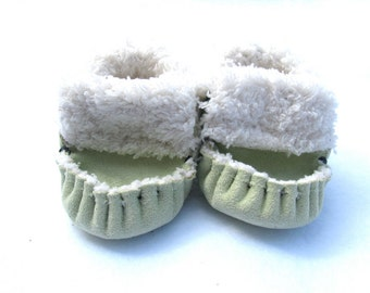 Sage green Totmocs Moccasins, baby shower gift, soft soled shoes, crib shoes, slippers, green shoes