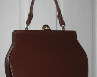CHOCOLATE BROWN 60's HANDBAG // Vintage Leather Purse Retro Hipster Rockabilly 40's Gold Arched Hardware Kelly Bag 50's Art Deco