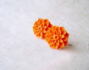 Orange Flower Earrings, Flower Stud Earrings, Chrysanthemum, Cabochon Earrings, Resin Flower Earring, Autumn Wedding, Orange Bridesmaids