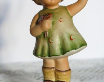 GOEBEL HUMMEL Forever Yours 793 ADORABLE Girl Figurine Holding Flowers