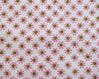Vintage Sheet Fat Quarter - Pink and Green Daisy