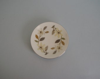 Wedgwood ring dish / pin dish / butter dish / mini plate Beaconsfield floral pattern 1960s