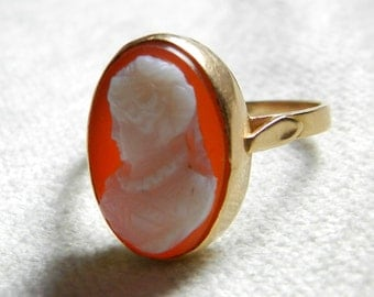 Antique Italian Cameo Ring from Naples Sardonyx Carved Agate Hardstone Cameo Naples District Italian Cameo Ring Muse Cameo 14K Gold