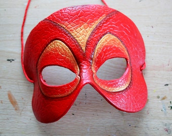 Red Reptile/Dragon leather half mask for cosplay/costume/masquerade/Halloween