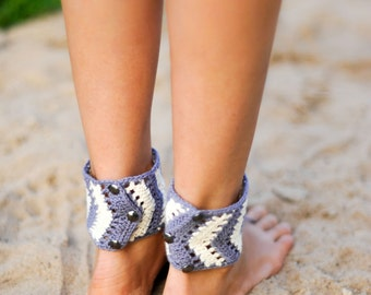 Tribal Barefoot Sandals, Chevron stripe Gray and white, Accessory, Foot jewelry, Hippie shoes, Yoga, Anklet, Steampunk, Buttoned Adjustable