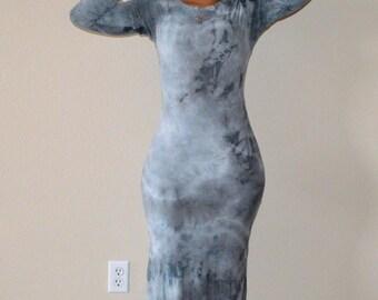 Gray Tie-Dye Maxi Dress w / Long Sleeves