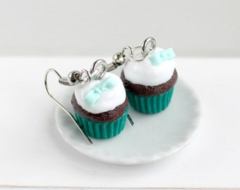 Green cupcake earrings: chocolate and emerald green with a bow - Miniature food jewelry