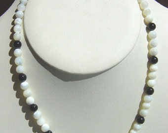 Mother of Pearl Necklace with Onyx