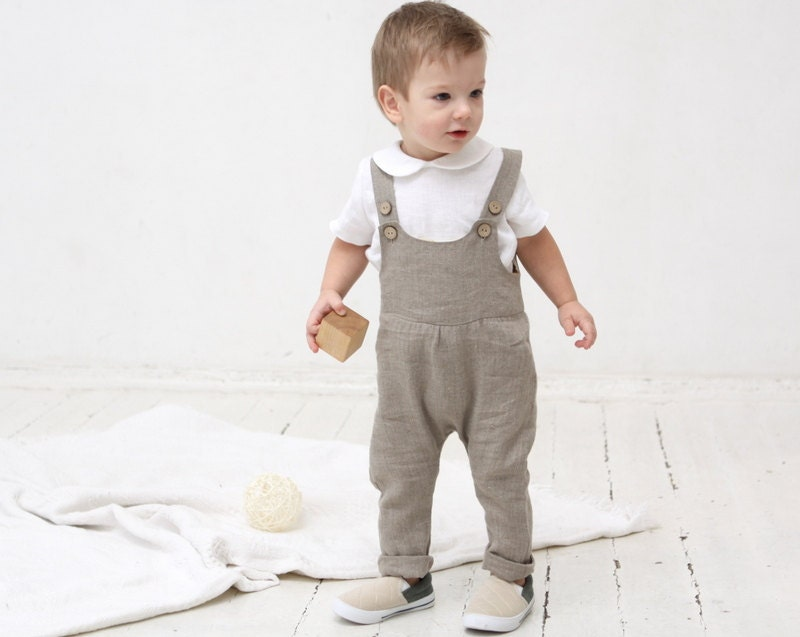 Our baby boy jumpsuits are an excellent combination of comfort and designer style while still being practical for little ones on the move. Made with the softest cottons, elegant silks and the finest linens.