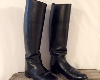 Women's Vintage Tall Black Riding Boot Marlborough Made in England Size 6 to Size 7 Excellent Condition Accessory Fashion Awesome