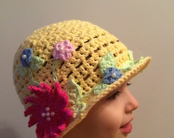 Girls Cloche Style Summer Hat With Flower and Pearl Accents. Sun Hat. Beach Hat. Summer hat. Girls Hat. Flowers. Pearls. Crochet. Cotton