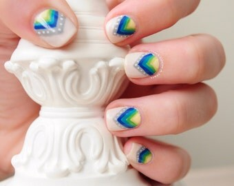Art Deco Triangles Hand Painted Fake Nails