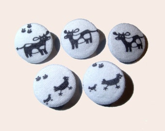 Children buttons, Fabric buttons, cloth buttons, medium size buttons, covered buttons, animal sewing buttons, black and white buttons
