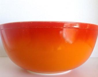 Vintage Pyrex 4 Quart Flameglo Mixing Bowl 404