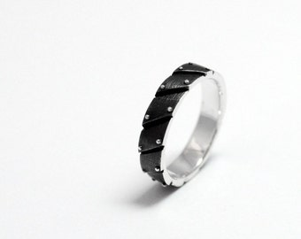 "SALE -40% Sterling Silver Industrial Ring ""Ligarendum"" 