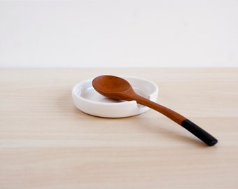 Minimalist ceramic spoon rest, Pottery spoon rest, Ceramic spoon holder, Ceramics & pottery, Scandinavian minimalist ceramic spoon rest