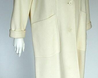 JOBIS 1990ies Vintage super cool boyfriend cut off-white wool ladies' coat, ca. size M