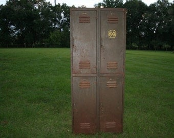 Vintage,6' foot tall metal wall locker cabinet,four lockers,vintage patina,rust,school,gym locker,man cave,garage, shop storage,sports bar