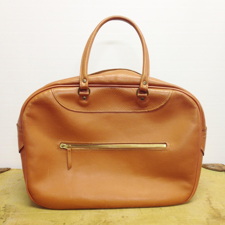 The Grunge Monkey: Vintage Tan Leather Bag // 1970s