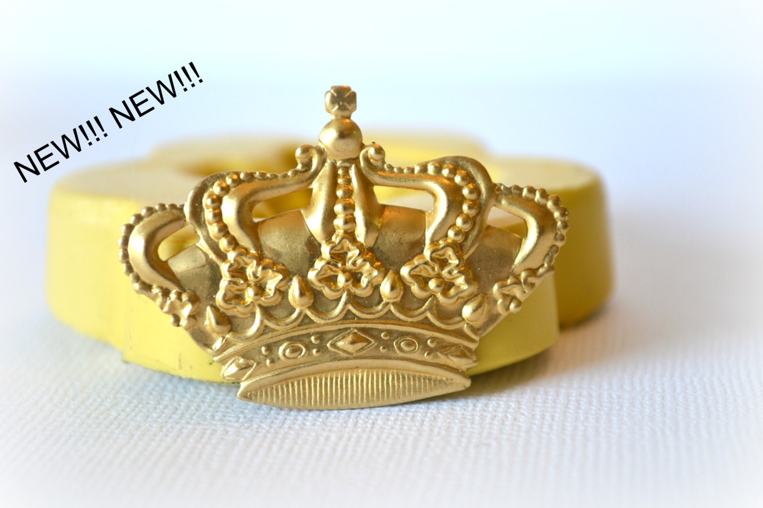0546 Royal Crown Silicone Rubber Flexible Food Safe Mold