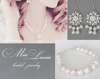 Bridal Jewelry Set, White Swarovski Pearl Bridal Jewelry Set, Pearl Necklace Earrings Bracelet Set,  art. 103 Latoya