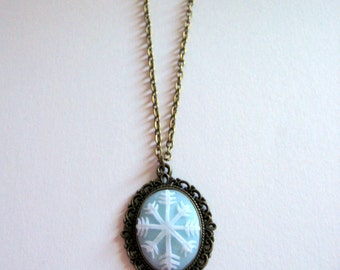 Snowflake Pendant, Winter necklace, christmas snowy gift, egst jewelry,