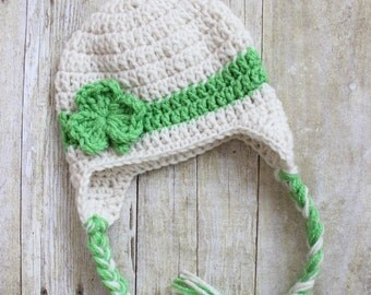St. Patrick's day hat. Baby Cream Hat with green stripe and shamrock. St. Patricks baby beanie