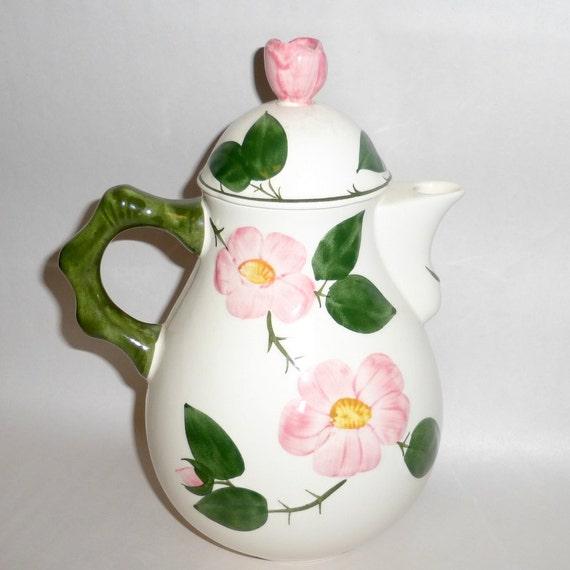 villeroy boch germany 9 tall wild rose tea or coffee. Black Bedroom Furniture Sets. Home Design Ideas