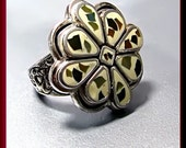 Vintage Sterling Silver Cream Inlay Flower Cocktail Ring