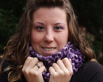 Deluxe Chunky Infinity Scarf / Cowl - Purple