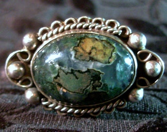 Taxco Sterling Colonial Styled Stone Carbochon Ring size 5 Signed