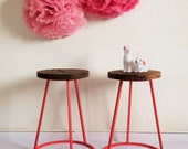 Tripod stool in wood and metal, seat, vintage & industrial spirit, color pink, model Saturnin
