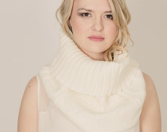 Neck Warmer with Leather Scarf Cuff. Achiever Knitted Neck Warmer. Ivory
